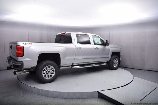 2017 Silverado 2500 Crew Cab 4x4, Pickup #14134 - photo 6