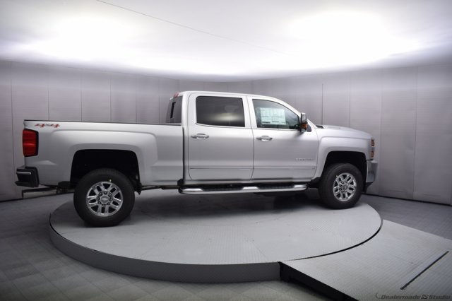 2017 Silverado 2500 Crew Cab 4x4, Pickup #14134 - photo 7