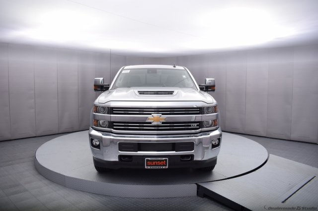 2017 Silverado 2500 Crew Cab 4x4, Pickup #14134 - photo 9