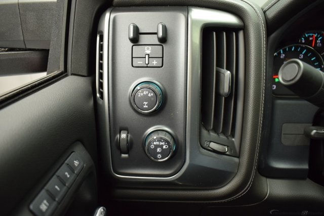 2017 Silverado 2500 Crew Cab 4x4, Pickup #14193 - photo 24