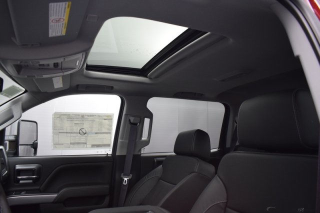 2017 Silverado 2500 Crew Cab 4x4, Pickup #14193 - photo 26