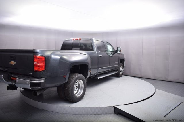 2017 Silverado 3500 Crew Cab 4x4, Pickup #14197 - photo 5