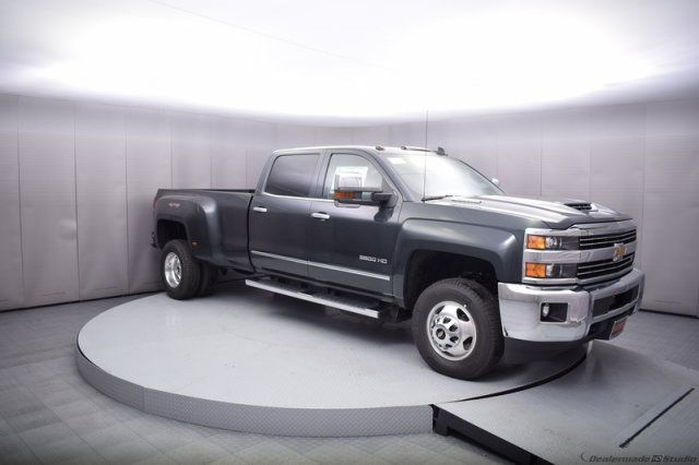 2017 Silverado 3500 Crew Cab 4x4, Pickup #14197 - photo 8