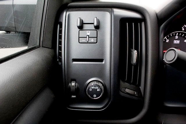 2017 Silverado 3500 Regular Cab DRW, Platform Body #14742 - photo 14