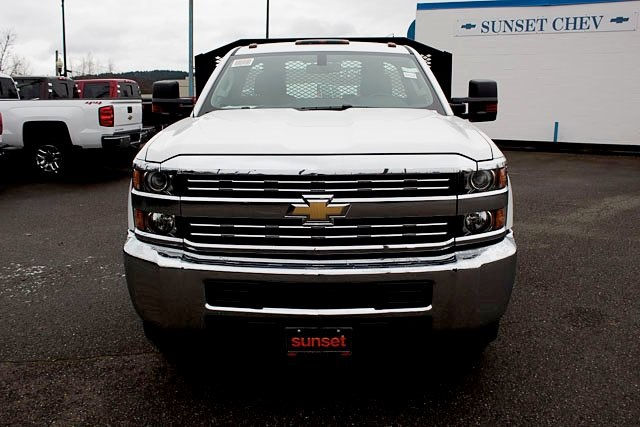 2017 Silverado 3500 Regular Cab DRW, Platform Body #14742 - photo 5