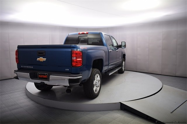 2018 Silverado 2500 Crew Cab 4x4 Pickup #14773 - photo 5