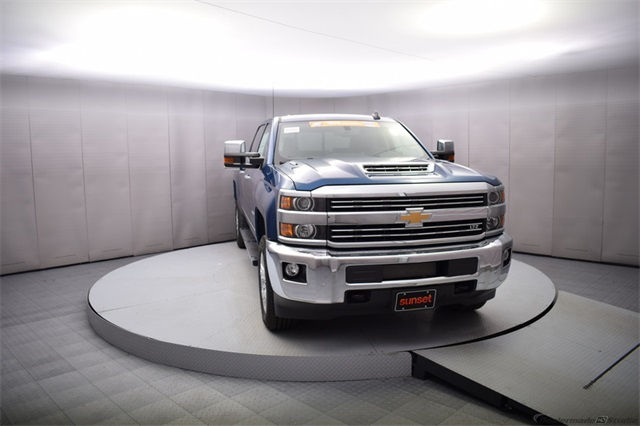 2018 Silverado 2500 Crew Cab 4x4 Pickup #14773 - photo 9