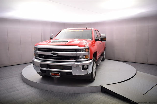 2018 Silverado 2500 Crew Cab 4x4 Pickup #14982 - photo 10