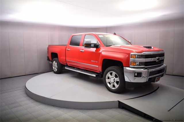 2018 Silverado 2500 Crew Cab 4x4 Pickup #14982 - photo 8