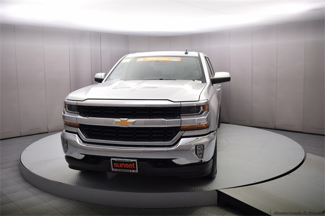 2018 Silverado 1500 Crew Cab 4x4,  Pickup #15359 - photo 10