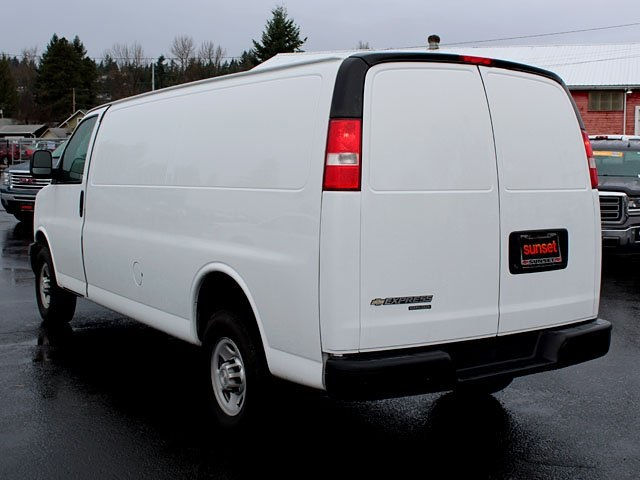 2017 Express 2500 Cargo Van #15453 - photo 4
