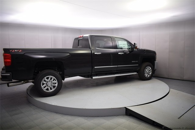 2018 Silverado 3500 Crew Cab 4x4, Pickup #15501 - photo 6