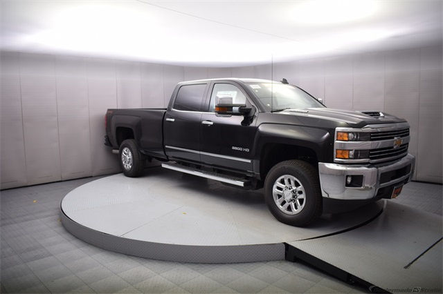 2018 Silverado 3500 Crew Cab 4x4, Pickup #15501 - photo 8