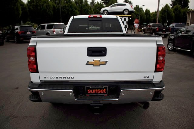 2018 Silverado 3500 Crew Cab 4x4,  Pickup #15503 - photo 4