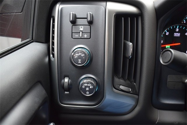 2018 Silverado 1500 Crew Cab 4x4, Pickup #15539 - photo 26