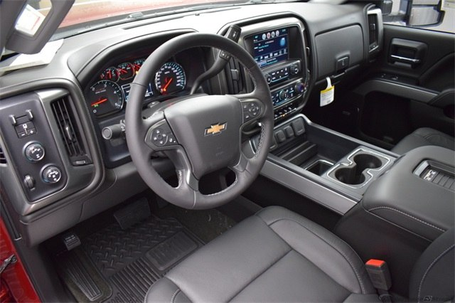 2018 Silverado 3500 Crew Cab 4x4, Pickup #15582 - photo 17