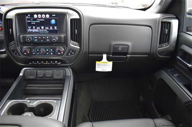 2018 Silverado 3500 Crew Cab 4x4, Pickup #15582 - photo 20