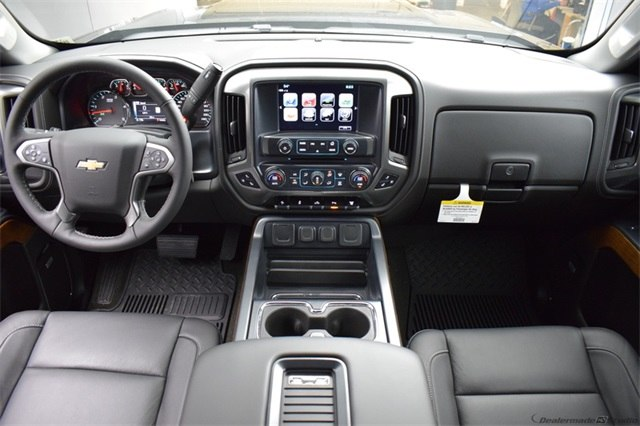 2018 Silverado 3500 Crew Cab 4x4, Pickup #15672 - photo 23
