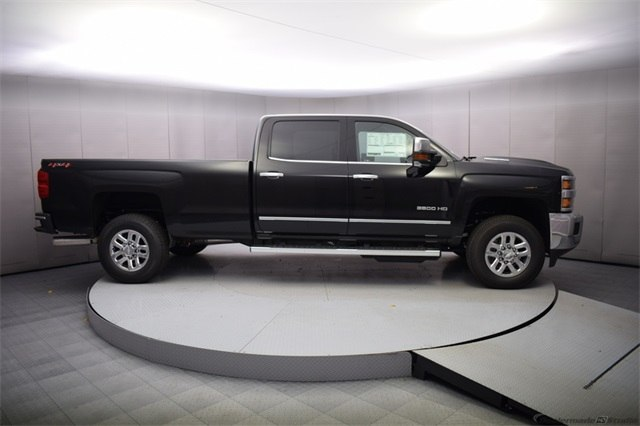 2018 Silverado 3500 Crew Cab 4x4, Pickup #15672 - photo 7