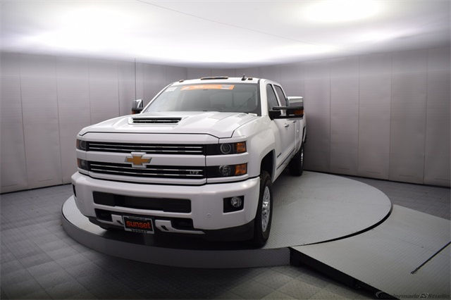 2018 Silverado 3500 Crew Cab 4x4, Pickup #15707 - photo 10