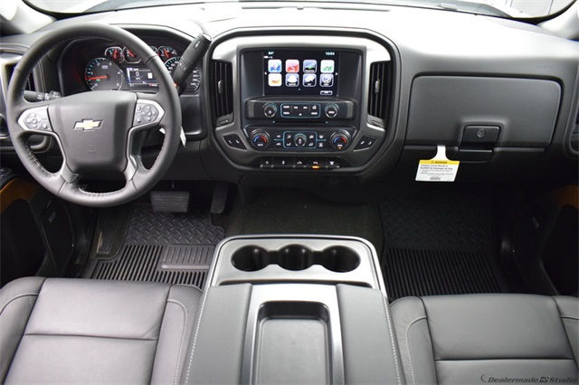 2018 Silverado 3500 Crew Cab 4x4, Pickup #15708 - photo 23