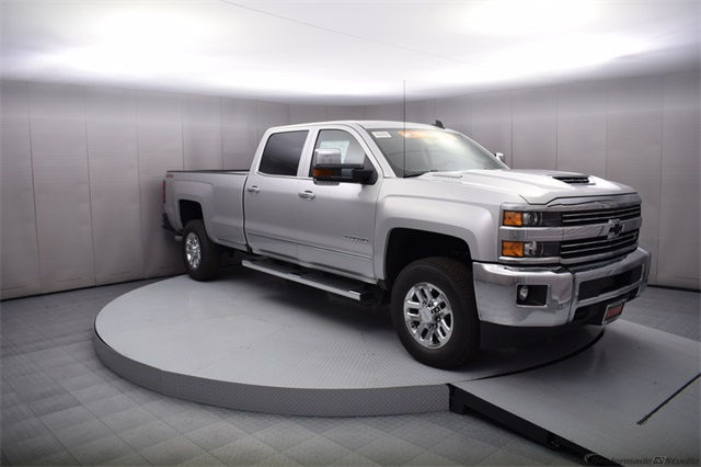 2018 Silverado 3500 Crew Cab 4x4, Pickup #15708 - photo 8