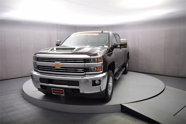 2018 Silverado 3500 Crew Cab 4x4, Pickup #15721 - photo 10