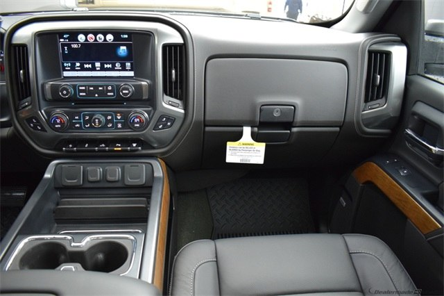 2018 Silverado 3500 Crew Cab 4x4, Pickup #15721 - photo 23