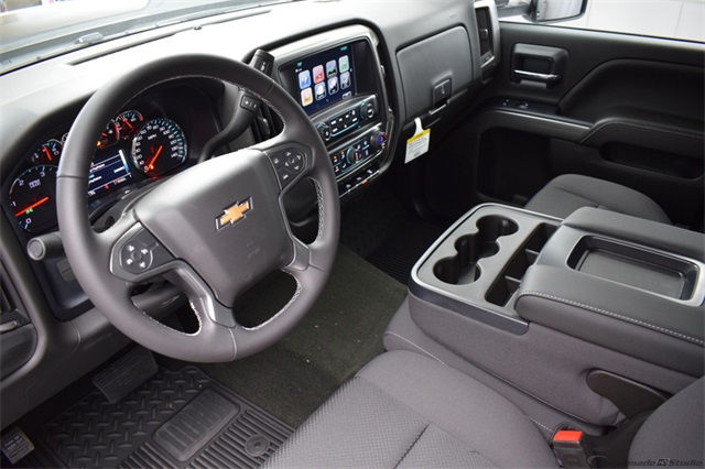 2018 Silverado 3500 Crew Cab 4x4, Pickup #15883 - photo 16