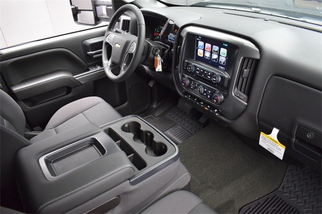 2018 Silverado 3500 Crew Cab 4x4, Pickup #15883 - photo 20