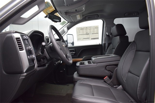 2018 Silverado 3500 Crew Cab 4x4, Pickup #15911 - photo 18