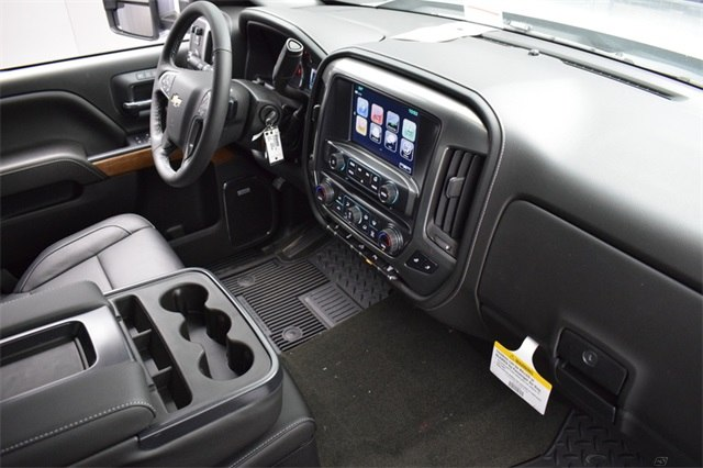 2018 Silverado 3500 Crew Cab 4x4, Pickup #15911 - photo 21