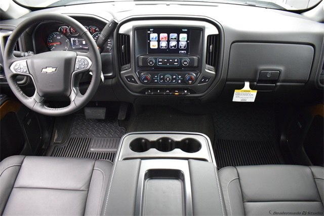 2018 Silverado 3500 Crew Cab 4x4, Pickup #15911 - photo 23