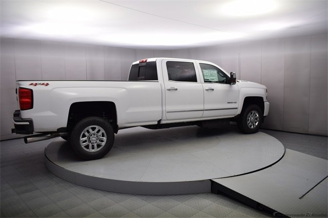 2018 Silverado 3500 Crew Cab 4x4, Pickup #15923 - photo 7