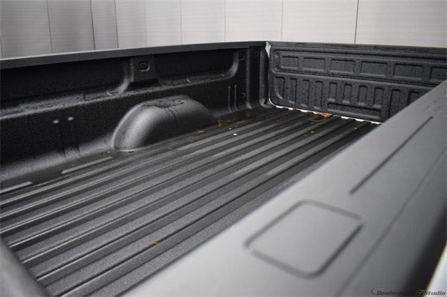 2018 Silverado 3500 Crew Cab 4x4, Pickup #15937 - photo 13