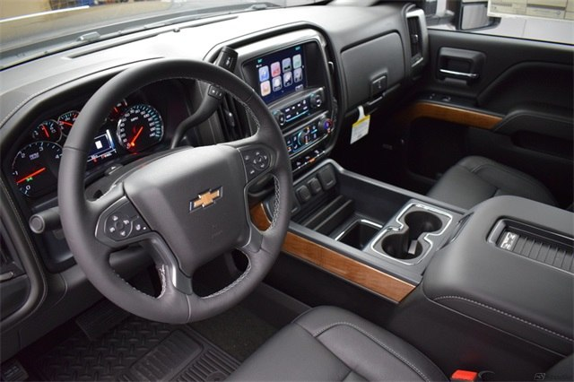 2018 Silverado 3500 Crew Cab 4x4, Pickup #15938 - photo 17