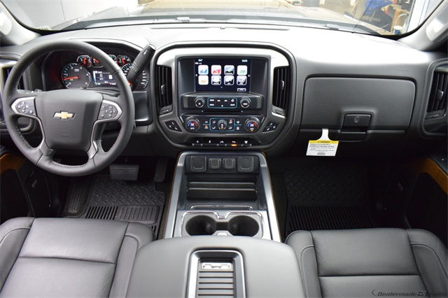 2018 Silverado 3500 Crew Cab 4x4, Pickup #15938 - photo 24