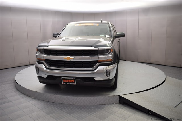 2018 Silverado 1500 Crew Cab 4x4,  Pickup #15943 - photo 9