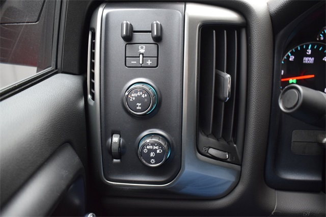2018 Silverado 1500 Crew Cab 4x4,  Pickup #16080 - photo 27