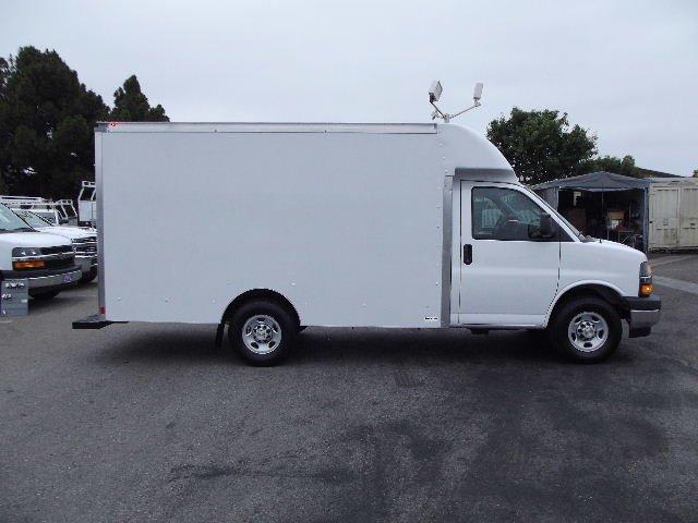 2018 Express 3500 4x2,  Supreme Cutaway Van #J256364 - photo 4