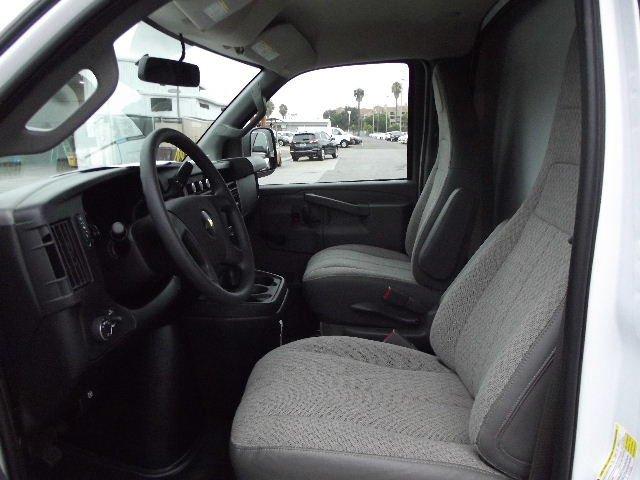 2018 Express 3500 4x2,  Supreme Cutaway Van #J256364 - photo 9