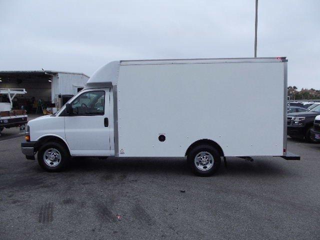 2018 Express 3500 4x2,  Supreme Cutaway Van #J262581 - photo 7