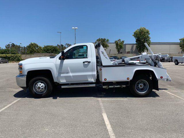2019 Chevrolet Silverado 3500 Regular Cab DRW 4x2, Dynamic Wrecker Body #K187565 - photo 4