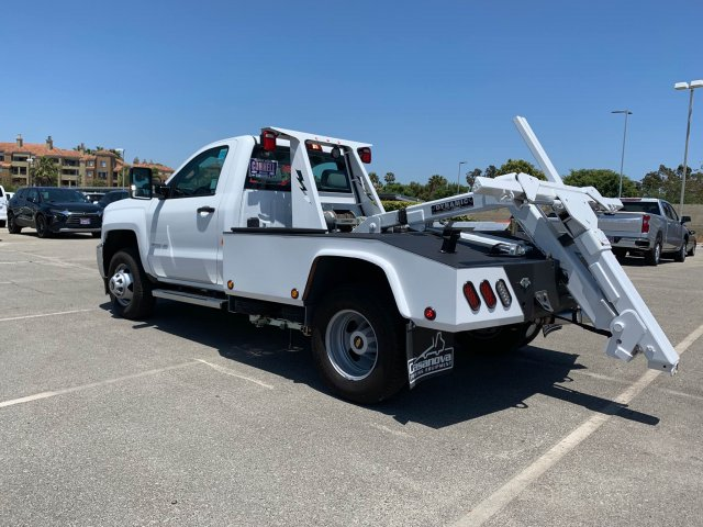 2019 Chevrolet Silverado 3500 Regular Cab DRW 4x2, Dynamic Wrecker Body #K187565 - photo 2