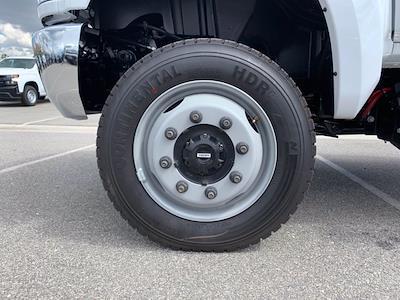 2020 Chevrolet Silverado 5500 Crew Cab DRW 4x4, Scelzi Chipper Body #L239855 - photo 13