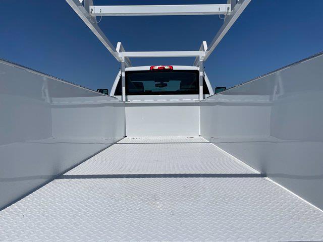 2020 Silverado 5500 Regular Cab DRW 4x4,  Scelzi Signature Service Body #L333133 - photo 13