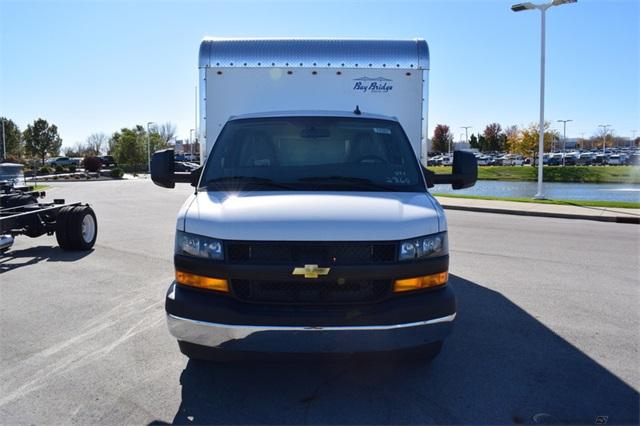 2020 Chevrolet Express 3500 4x2, Bay Bridge Cutaway Van #74393 - photo 3