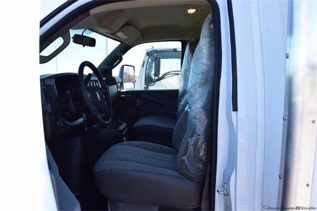 2020 Chevrolet Express 3500 4x2, Bay Bridge Cutaway Van #74393 - photo 9