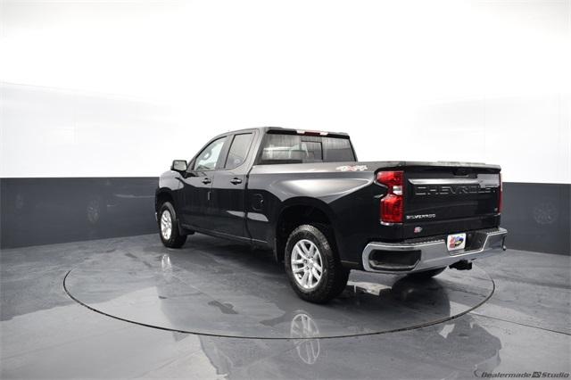 2020 Chevrolet Silverado 1500 Double Cab 4x4, Pickup #74468 - photo 1