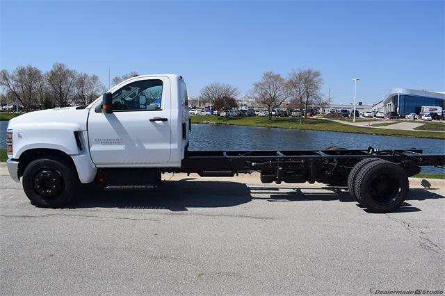 2021 Chevrolet Silverado 5500 Regular Cab DRW 4x2, Cab Chassis #78881 - photo 5